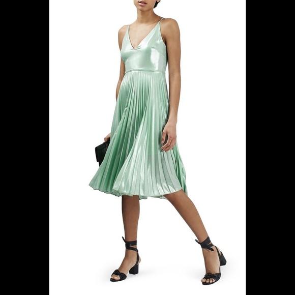Topshop Dresses & Skirts - TOPSHOP Metallic Plunge Pleat Midi Dress